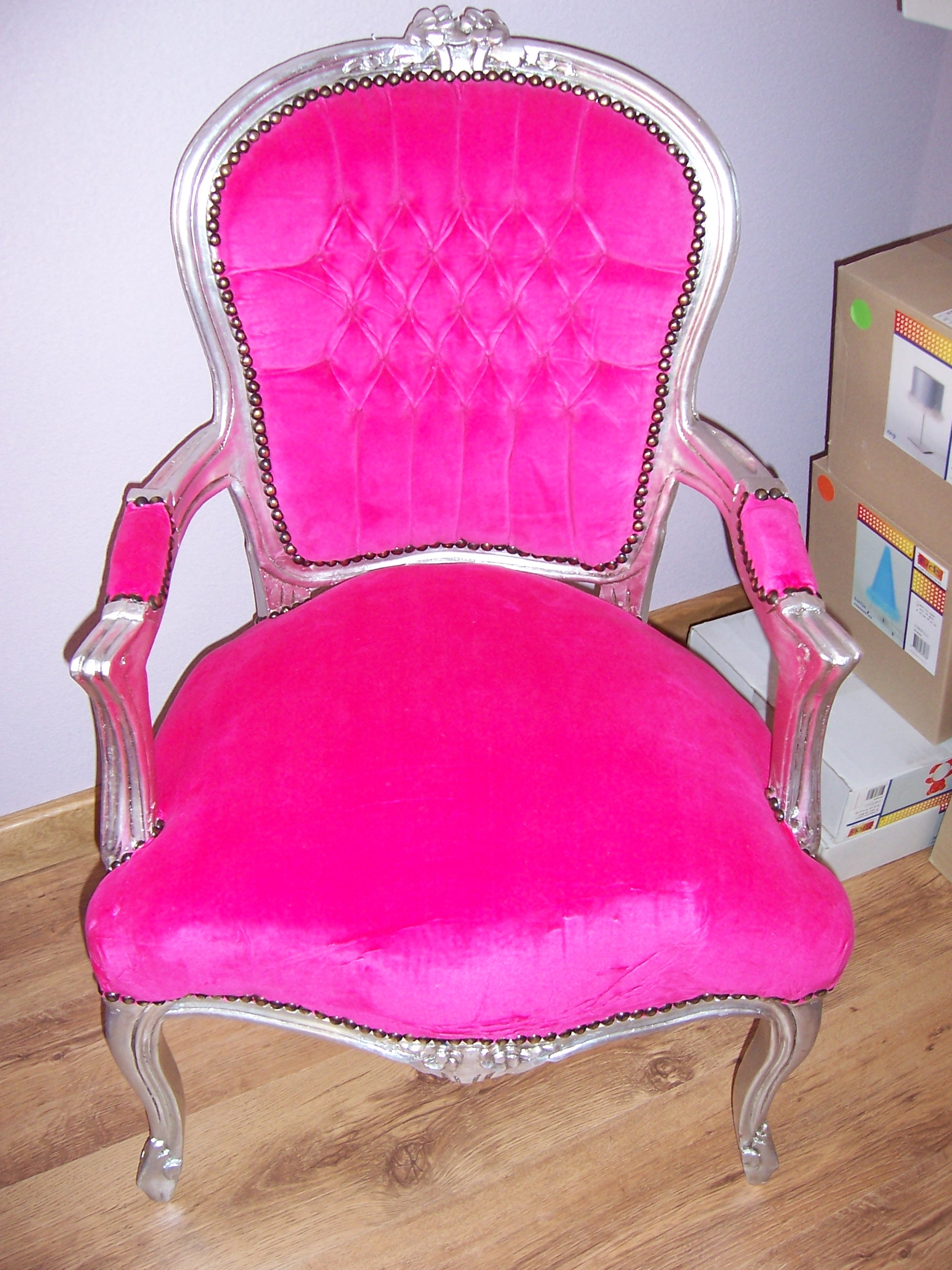 Barok stoeltje weten jullie welke winkels zoiets heeft for Barok stoel